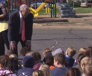 Gov. Mark Dayton talking to students at Peter Hobart Elementary School in St. Louis Park, MN on May 24th, 2013