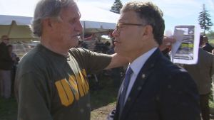 Jerry Readmond and U.S. Senator Al Franken.  (Photo by Rod Wermager)